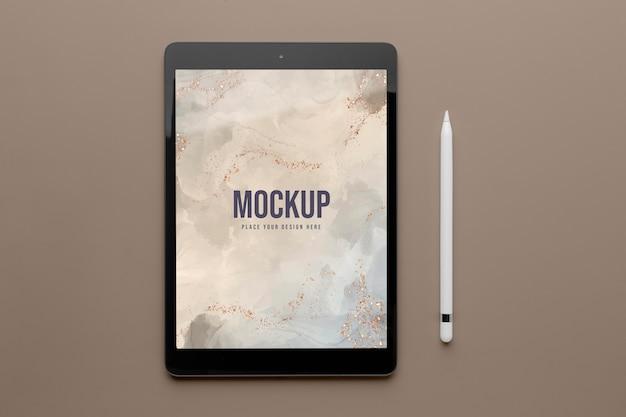Mock-up tablet screen and pen assortment