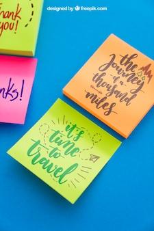 Mockup di note adesive con citazioni