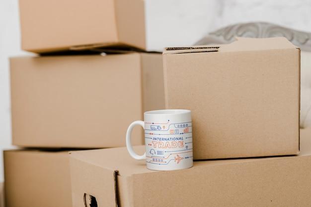 Mockup di scatole di cartone