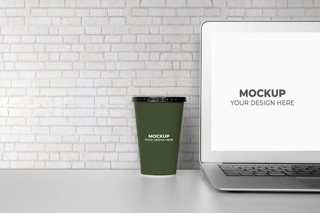 モックアップラップトップコンピューターの表示画面