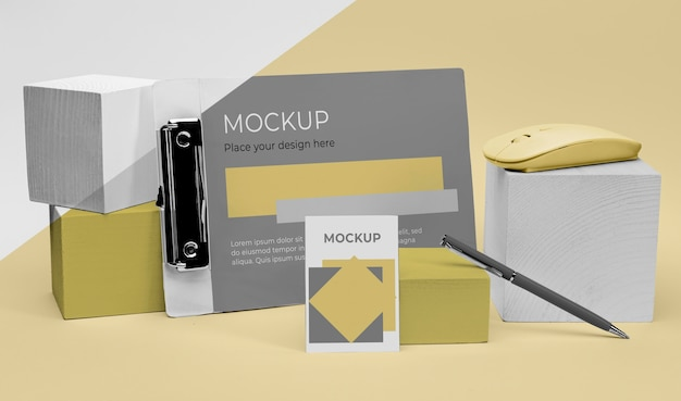 Mockup mouse and pen
