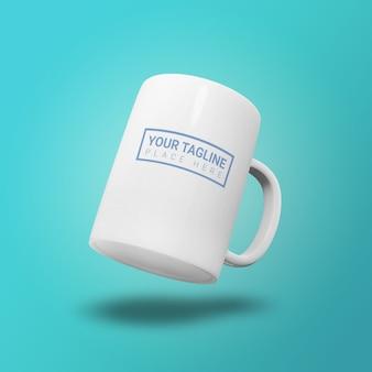 Мокап летающей белой керамической кружки кофе