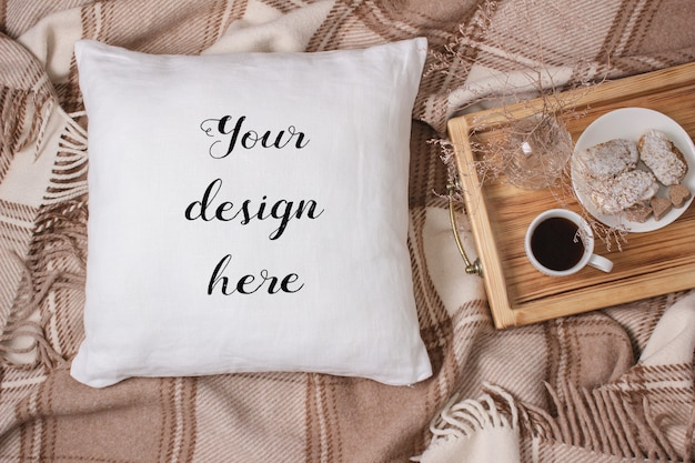 Макет белой подушки, подушки на плед