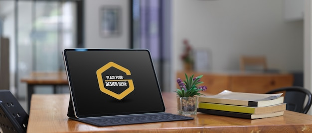Макет цифрового планшета с клавиатурой