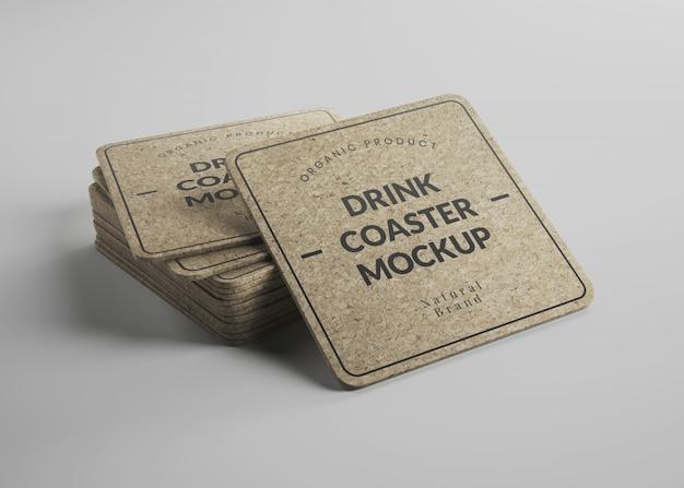 아이소 메트릭 뷰에서 둥근 모서리와 사각형 코르크 음료 컵 받침 이랑