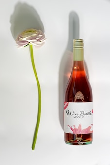 Mockup rose wine with flower Premium Psd