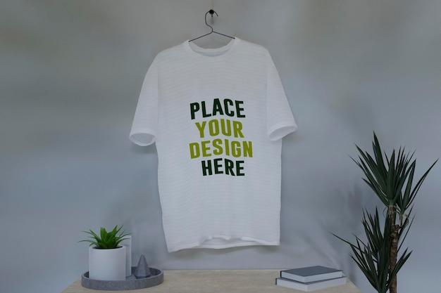 Mockup-shirt-with-interior