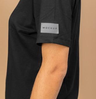 Fine della maglietta del mockup in su