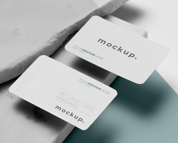 Disposizione moderna del biglietto da visita mock-up