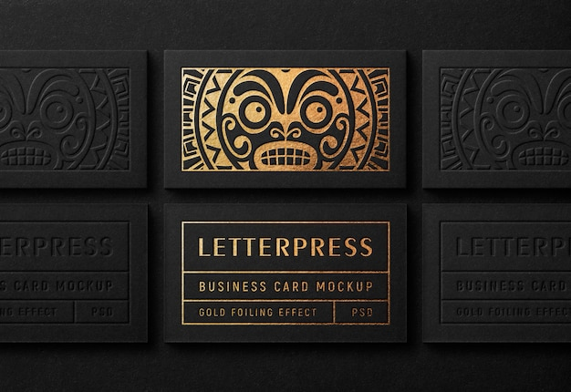 Современный макет визитки с эффектом золотой печати