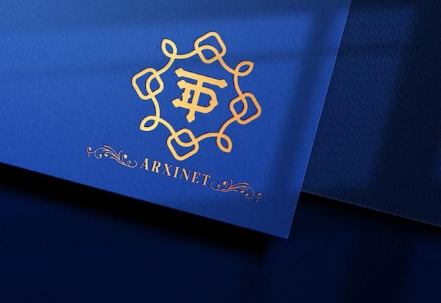 Современный макет логотипа на синей крафт-бумаге Premium Psd