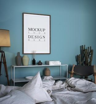 モックアップフォトフレーム付きのモダンで豪華なベッドルームのデザイン