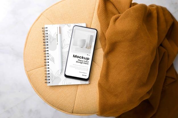 現代のスマートフォンのモックアップ配置