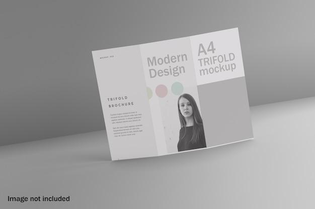 現代の三つ折りパンフレットのモックアップ