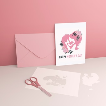 어머니의 날 카드와 모형 봉투