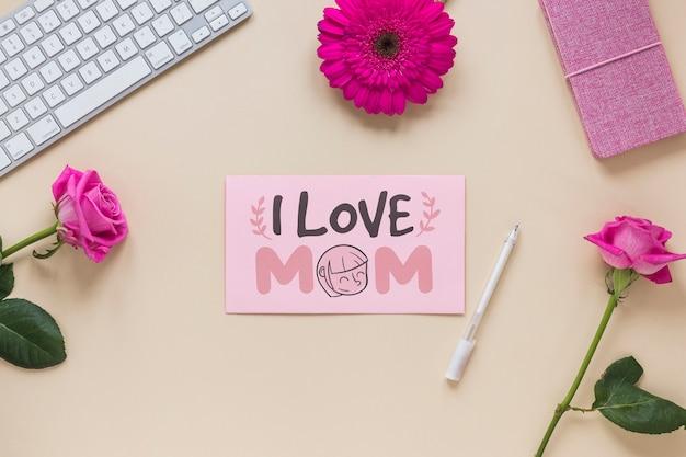 Материнская открытка макет с цветами