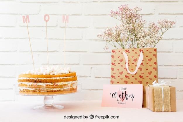 ケーキで母親の一日モックアップ