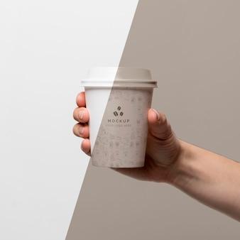 コーヒーのモックアップとマグカップ