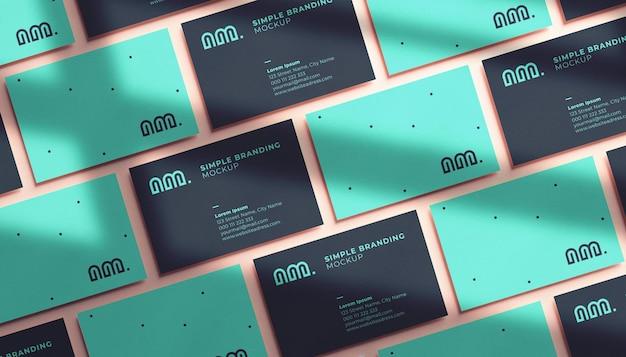 Несколько горизонтальных макетов визиток в реалистичном 3d-рендеринге