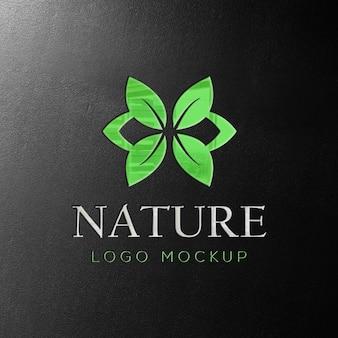 Макет логотипа природы с глянцевым эффектом