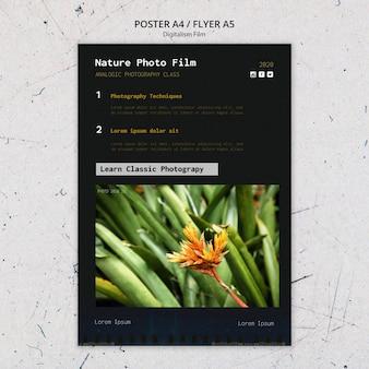Modello di poster di pellicola fotografica di natura