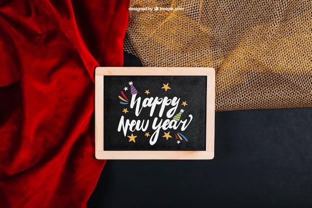 Новогодний макет со сланцем и текстилем