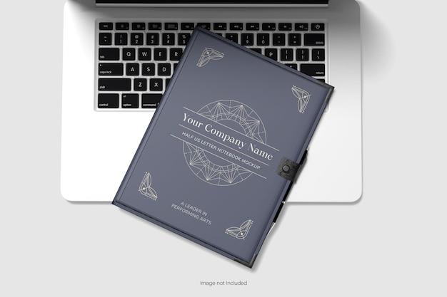 ノートブックとラップトップのモックアップ上面図