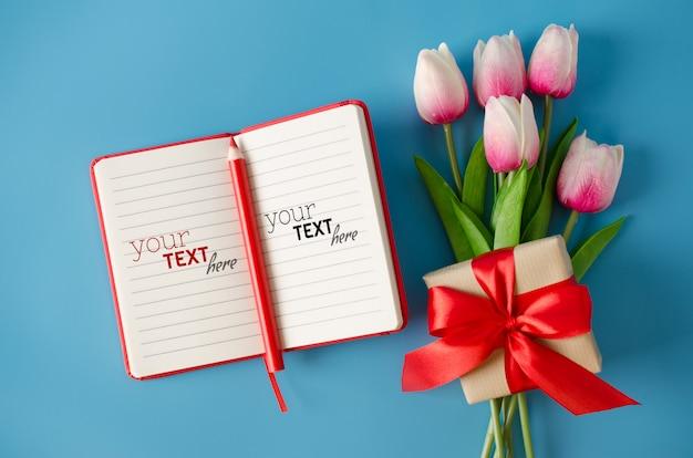 Записная книжка на день святого валентина, день женщины или день матери.