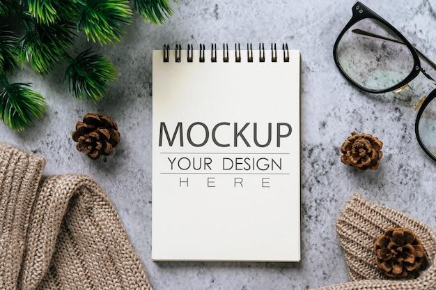作業スペース付きノートブック