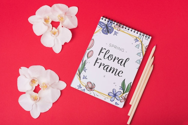 Notepad template for spring with flowers