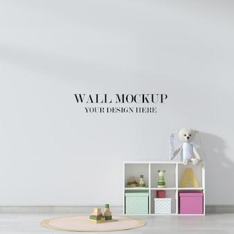 Макет стены детской комнаты, интерьер украшен игрушками