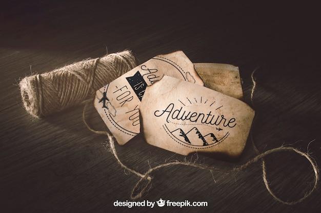 Vecchio modello di carta con la vela e il concetto di avventura
