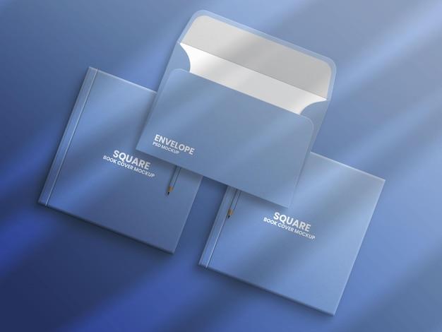 Открытый конверт c3 на квадратной обложке книги