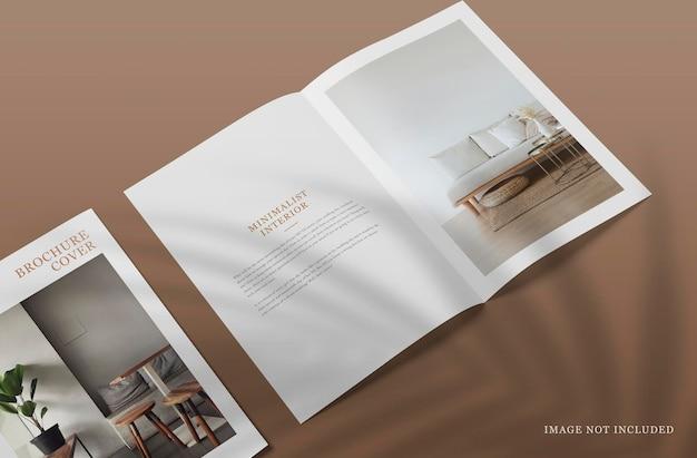 Открытая брошюра или макет журнала