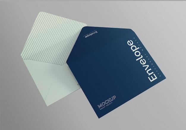 開いた封筒モックアップの正面図と裏面図