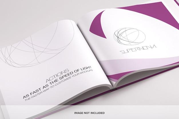 Открытая большая квадратная книга или макет каталога psd