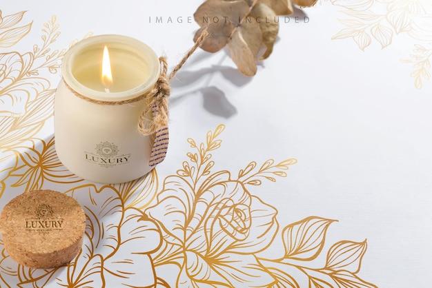Органическая соевая свеча с этикеткой, сухим эвкалиптом и шадо. упаковка для макета