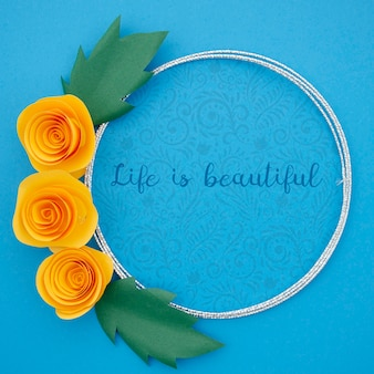 Декоративная цветочная рамка с мотивационным сообщением