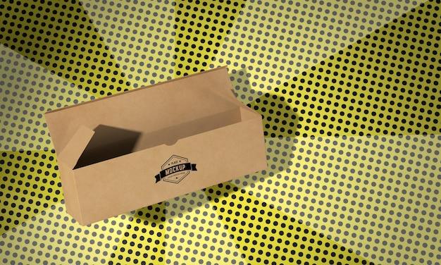 包装箱のコンセプトのモックアップ