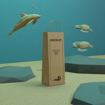 モックアップで水中の紙袋と海の生物