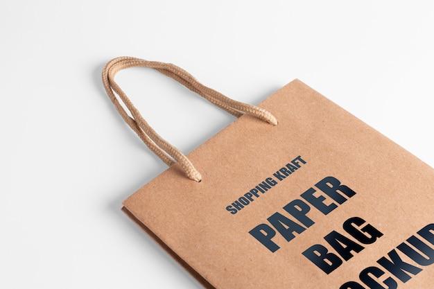 Бумажный пакет коричневого цвета mockup kraft bag