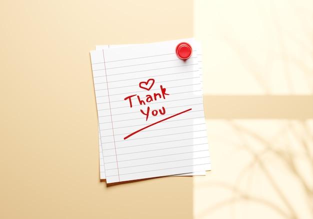 Бумажная записка с красной булавкой на стенном макете
