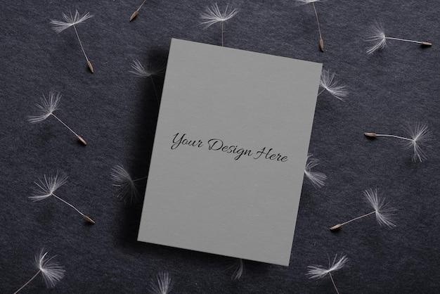 Макет листа бумаги с цветами одуванчика