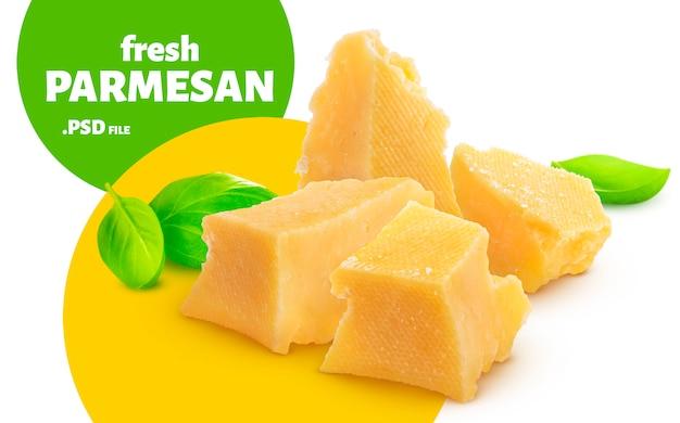 Сыр пармезан, изолированные на белом