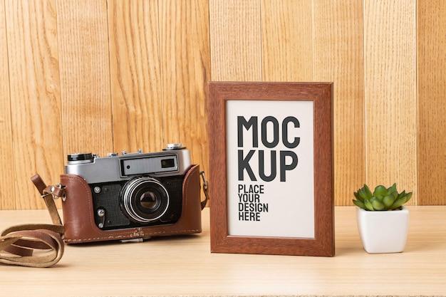 Мастерская фотографа с макетом рамки