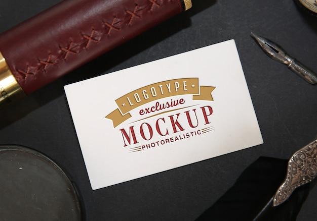 Фотореалистичный макет логотипа в винтажном стиле