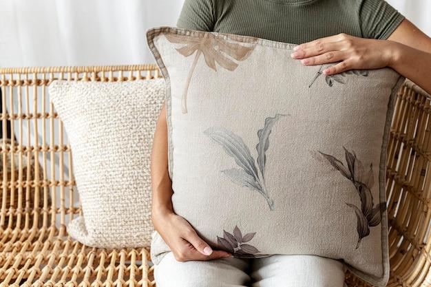 꽃 패턴 인테리어 디자인의 베개 쿠션 커버 모형 psd