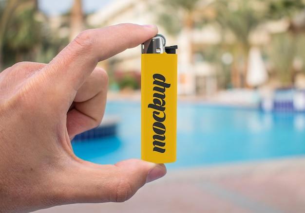 3 d レンダリングでのプラスチック ライターのモックアップ Premium Psd