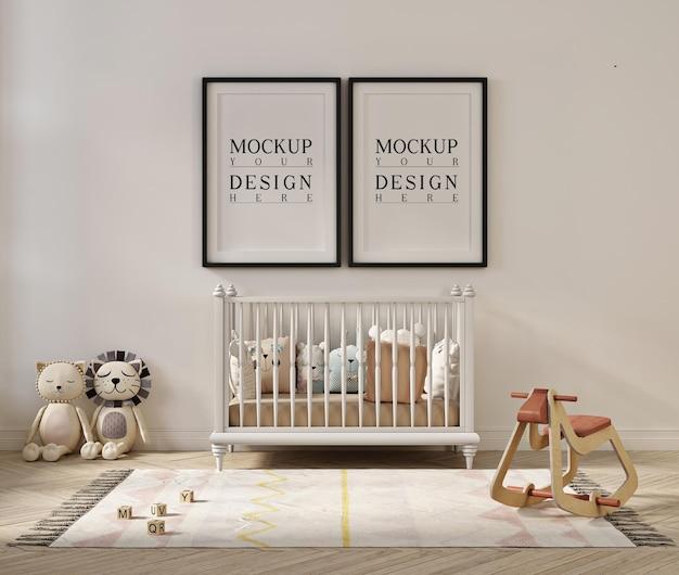 かわいい赤ちゃんの部屋のインテリアのポスターフレームのモックアップ