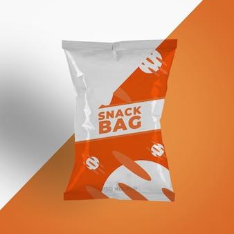 ポテトチップスのプラスチック包装または食品容器のモックアップ